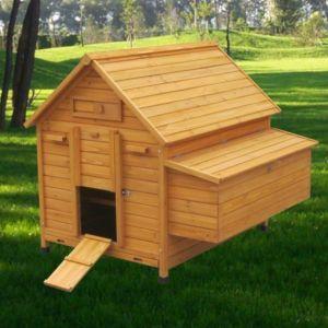 Poulailler-Cémani-XL-toit-bois-6-à-8-poules-vue-côté